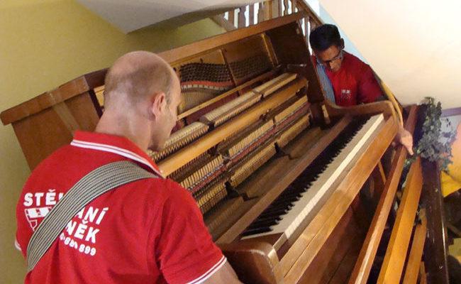 Stěhování klavírů, pian